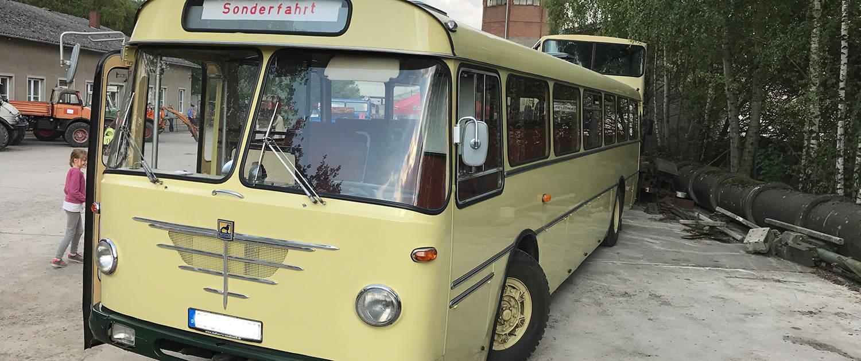 Verstärkte Stoßdämpfer für historische Busse