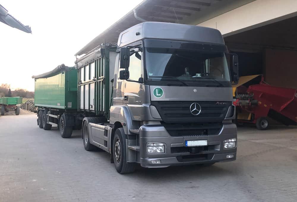 Mercedes Arox mit verstärkten Stoßdämpfern